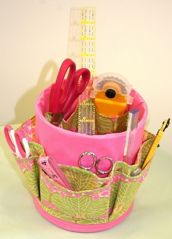Recycled tin can craft caddy. Tin cans are not just for stacking up in your cabinet, tossing in the trash or sending to the recycle bin. Combine those with a rope, paints, craft papers and a generous helping of crazy imagination, and you will have a cool creation on your hands.