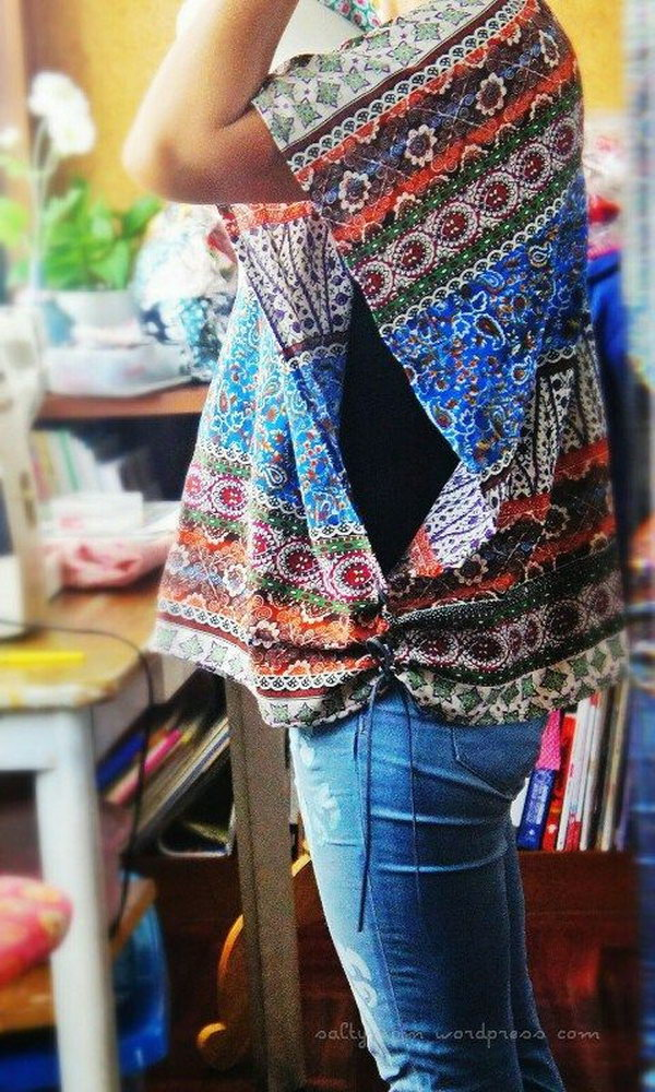 A simple and cool poncho made from fabrics,