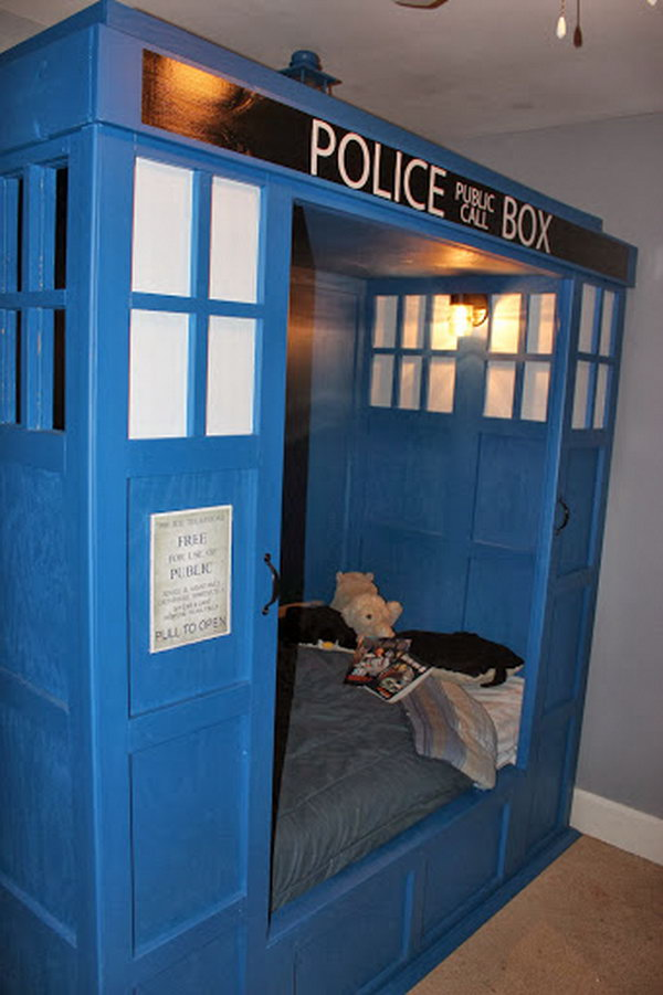 Sleeping on this TARDIS bed, your kids will surely have a fantastic dream.