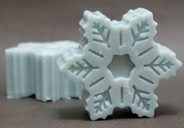 These pretty pale blue snowflake soaps have just a hint of shimmer making them the perfect choice for homemade winter gift ideas or DIY winter wedding favors.