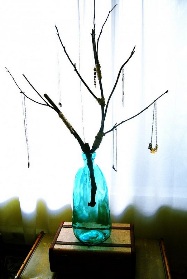 30 creative jewelry storage display ideas for Tree branch jewelry holder