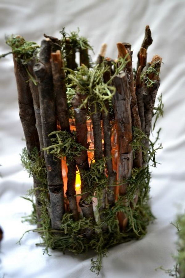 These rustic twig candle holders are perfect for wedding decoration.