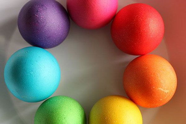 Beautiful colors may light up your Easter Day and bring your the happy atmosphere and happy mood. Just display nature's bright colors with these adorable Easter Eggs.