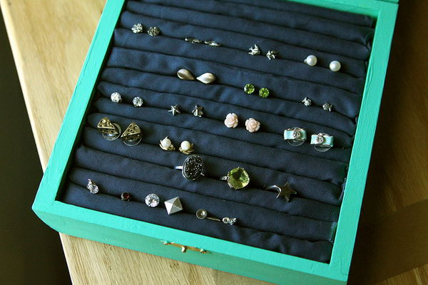 Stud Earring Holder. This DIY jewelry box is an amazing birthday present for people who have lots of stud earrings to make their earrings organized.