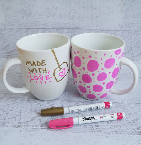 Sharpie Mugs.This is a quite simple and creative gift idea. You can make a fabulous and unique birthday present like this by drawing on plain and boring mugs with imagination.