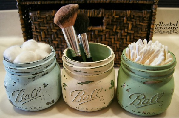 Painted Mason Jars. These painted mason jars is an excellent present for moms. They can use these adorable personalized jars to organize their makeup.