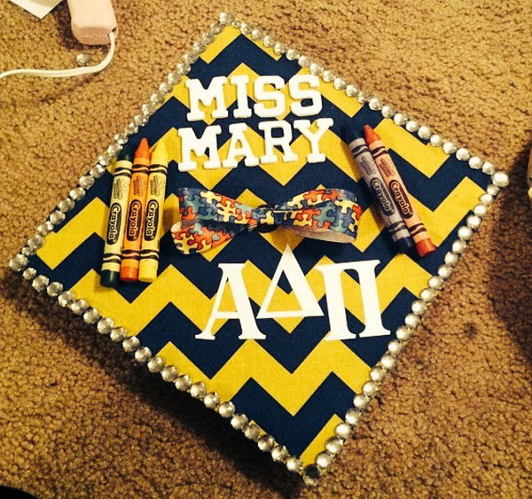 My Sister's Graduation Cap. Surprise your little sister with this graduation cap with beadings around the brim of the cap. Add up the bow and some crayons to finish off its adorable design.