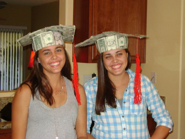 Cash Graduation Cap. It's so fantastic to pack your bill in a graduation cap style. Use poster board to shape the cap, cover the cap with bills of different value and fold the bill over and around the ring. Add the tassel from yarn to finish off the stunning cash graduation cap.