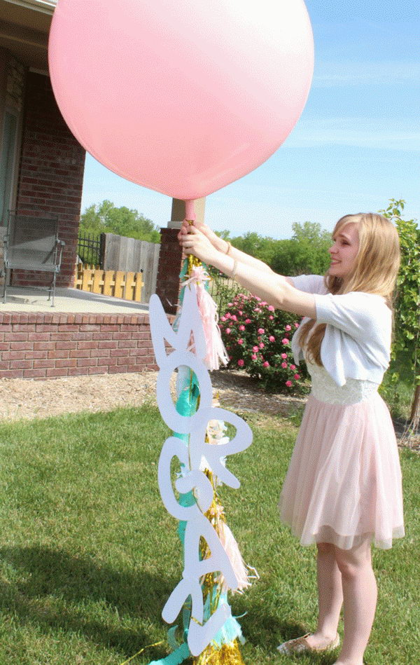 Balloon Graduation Party Decor. Decorate the balloons to your heart's content with streamers, garland, ribbons, tassels, silk flowers to dress up the top of your graduation party with a festive decor to set up the tone.