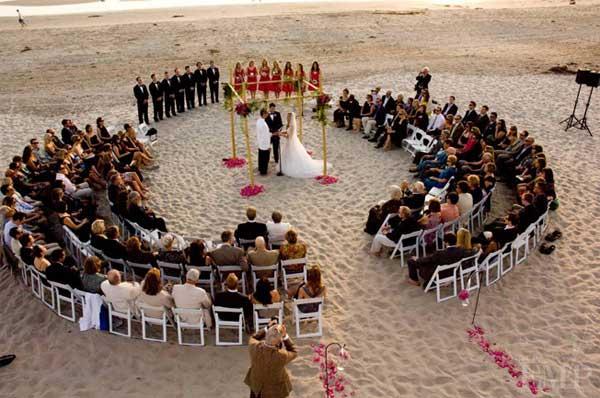 Circle Seating Arrangement For Beach Wedding: 25 Awesome Wedding Ideas