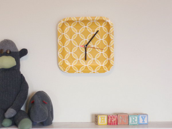 Paper Plate Clock. Add the back of the clock piece and the hands at the center of the plate, you'll get this adorable plate clock. You can DIY such a great gift to bring you a lot of fun and it cost you little.