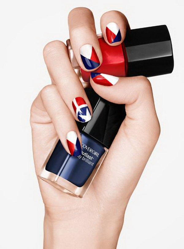 4th of July American Flag Inspired Nail Art: Try this glamorous American flag nail art, and it will keep you from looking tacky. Check out the tutorial here.