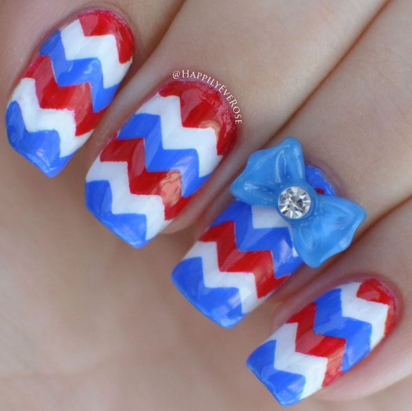 Chevron Fourth of July Bow Nail Art Design.
