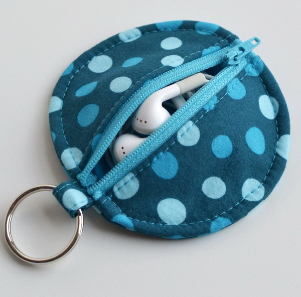 Earbud Pouch. There is nothing more annoying than having to untangle your earbuds from a huge knot. Keep them tidy and knot free with this cute little pouch. See how to do it