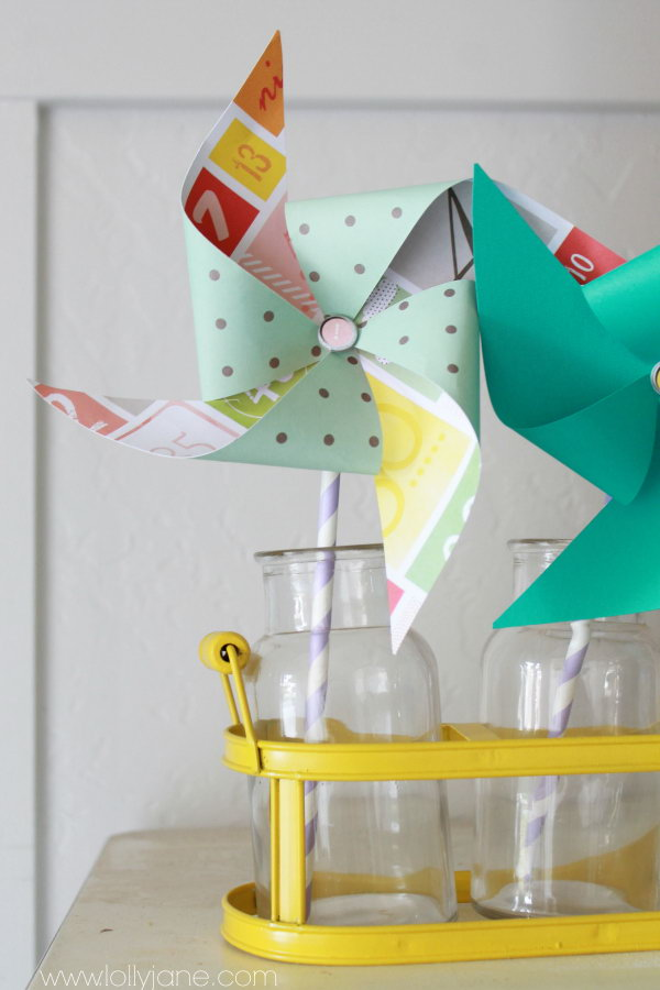 DIY Summer Decor Pinwheel. Get the tutorial