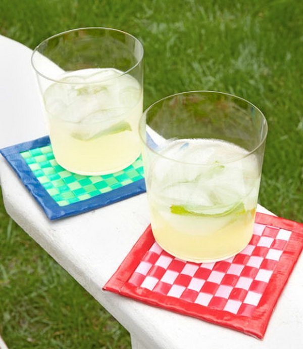 DIY Plastic Coasters Made with Drinking Straws.