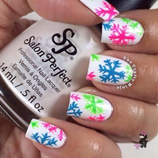 20 Cool Snowflake Nail Art Designs