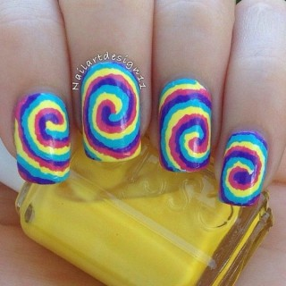 Cute And Creative Swirl Nail Art