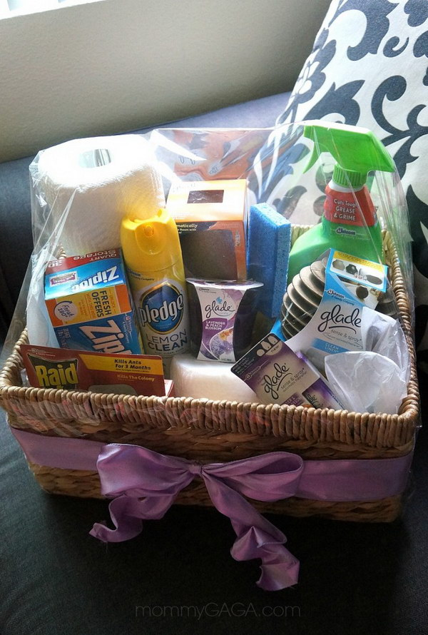 DIY Home Essentials Gift Basket. Want an easy DIY gift for hostess? Create a gift basket with all kinds of goodies for the home!