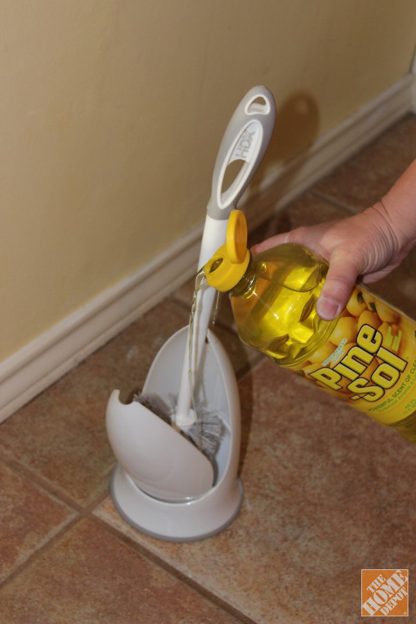 Toilet Brush Cleaning Hack.