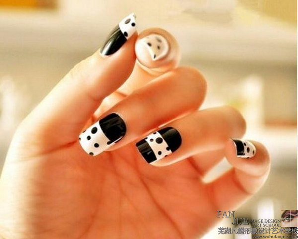 Cute Polka Dots Black and White Nail Art Design