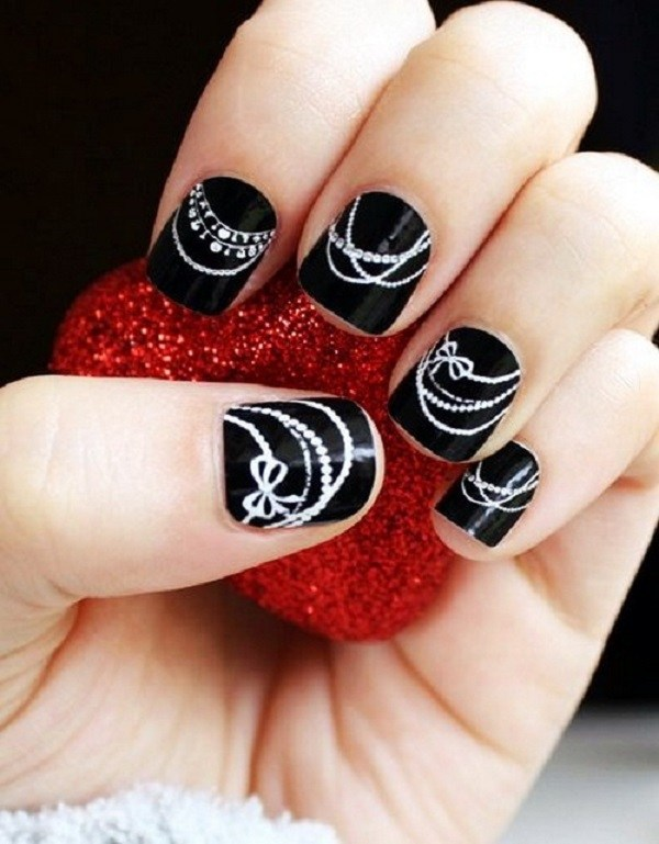 Black and White Pearls Necklaces  Short Nails