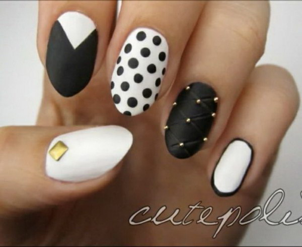 Polka Dots and Jewel with Border Triangle Top Nails