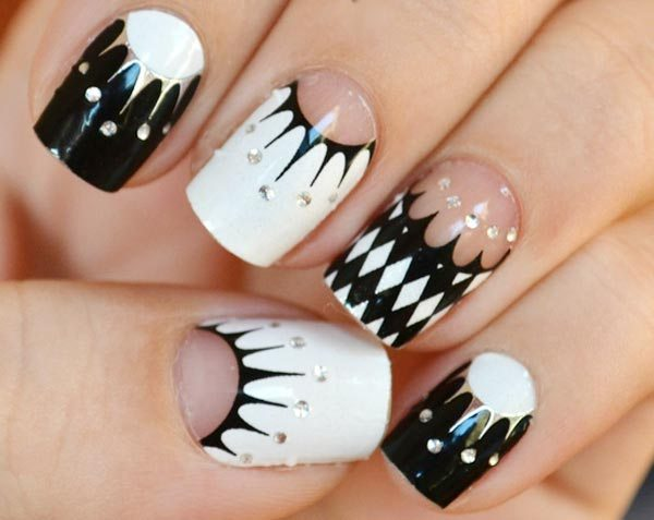 Black and White Geometry Nails