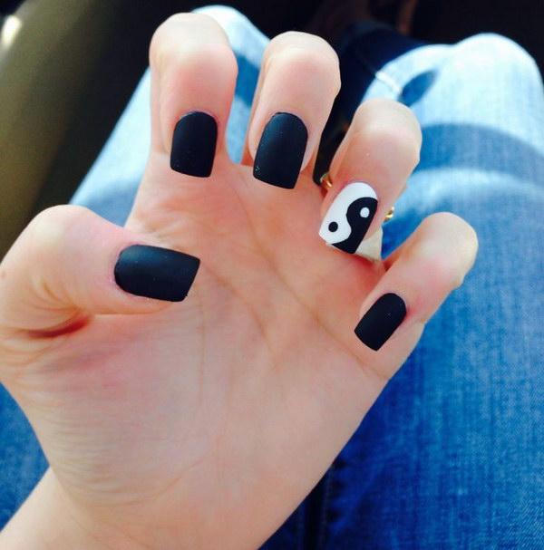 Ying Yang Accented Nails
