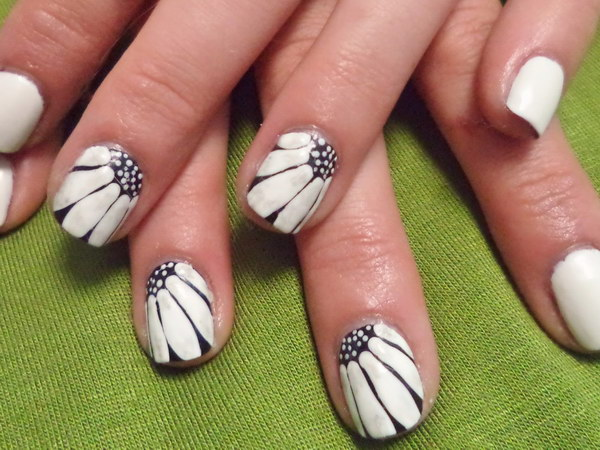Beautiful Black and White Floral Nails