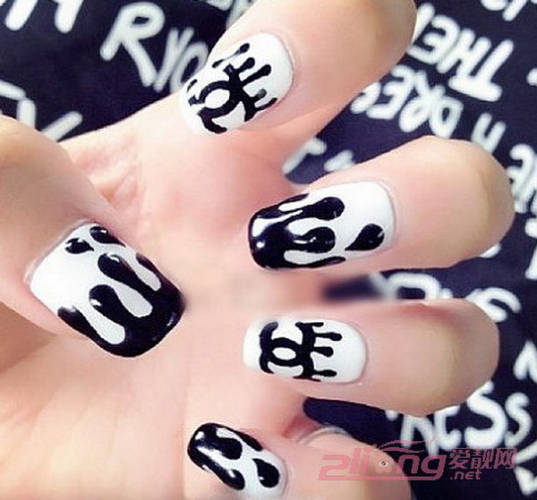 Dripping Paint Black and White Nails
