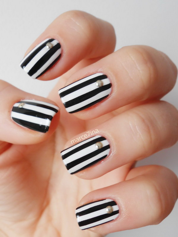 Black and White Stripes Nail Art Design