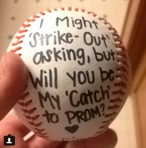 How to Ask Your Boyfriend to Prom picture