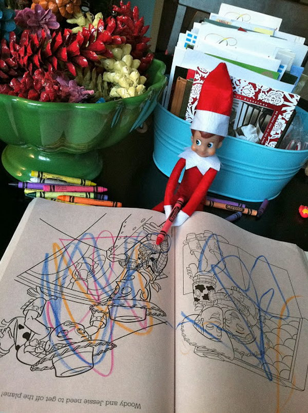Elf is Coloring.