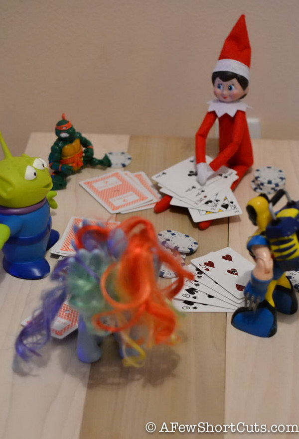 Elf on The Shelf: Poker Night
