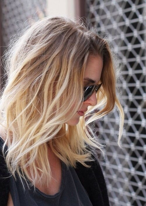 Pretty Medium Wavy Ombre Hairstyle.