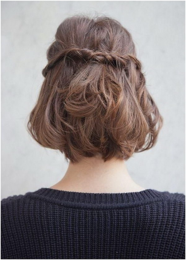 Half Up Half Down Hairstyle for Medium Hair.
