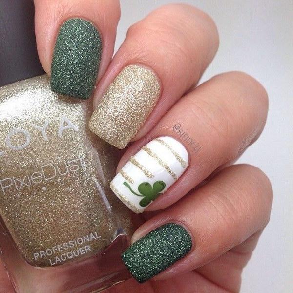 Deep Green and Gold Lucky Shamrock Nail Art