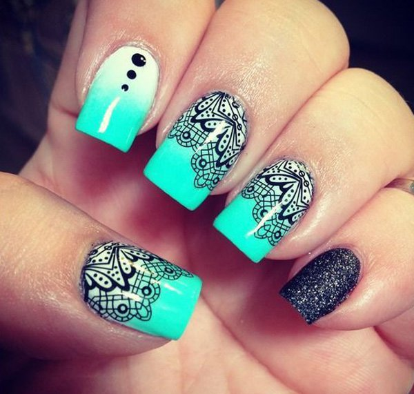 Ombre Green and White Lace Nail