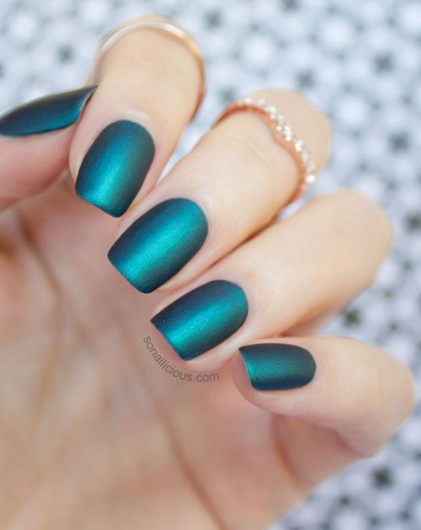Beautiful Emerald Matte Nails