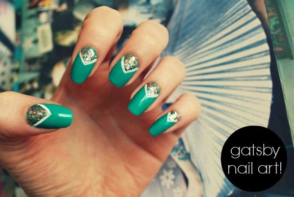 Elegant Glitter Green Chevron Nail Art