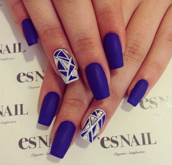 Navy Bule and Gold Geometric Nail Design.