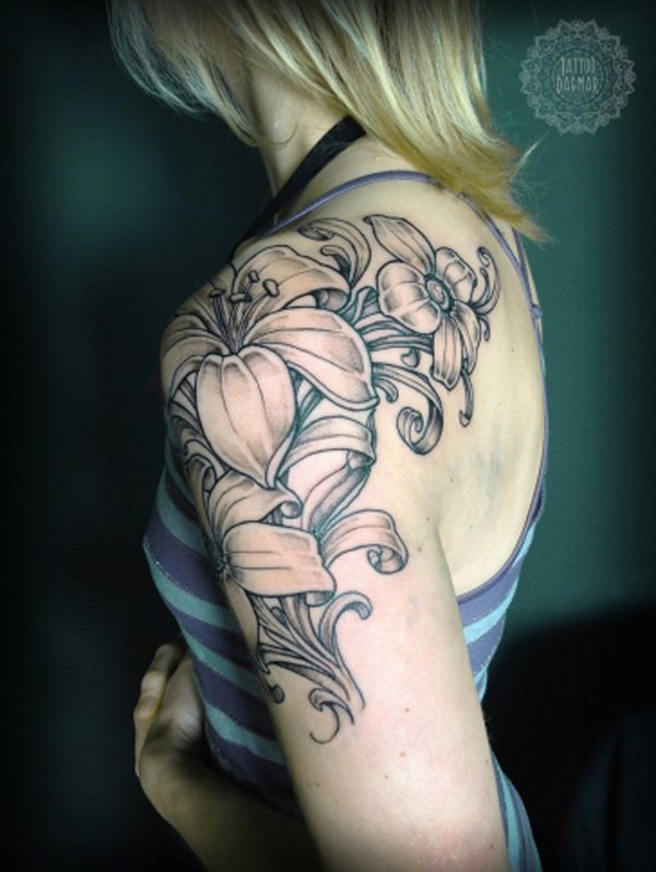 Flower Sleeve Tattoo Idea for Women.