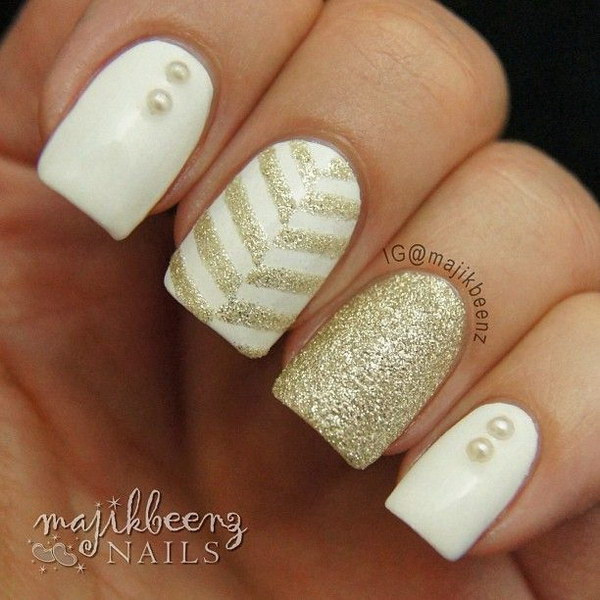 Gold Chevrons on White Base Mani.