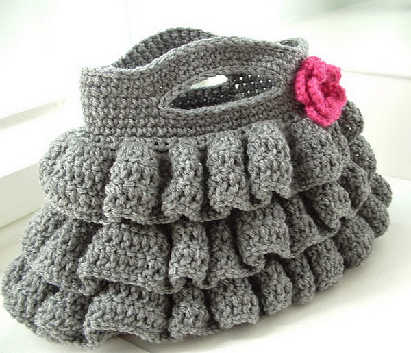 Crocheting Easy Projects : Easy Crochet Ruffled Bag