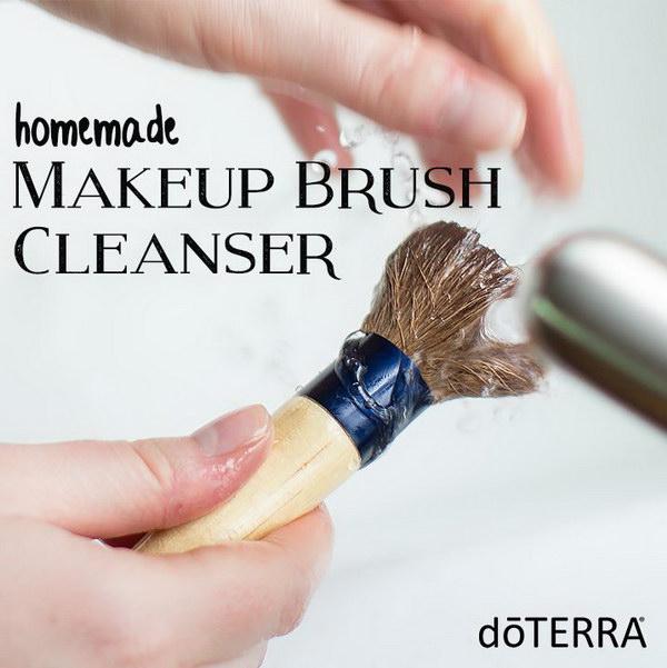 DIY Makeup Brush Cleanser.