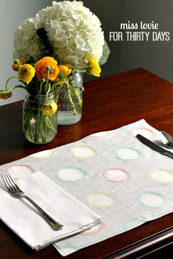Spring Sketchy Dot Placemats.