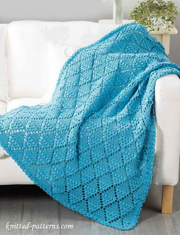 20+ Awesome Crochet Blankets With Tutorials and Patterns - Styletic