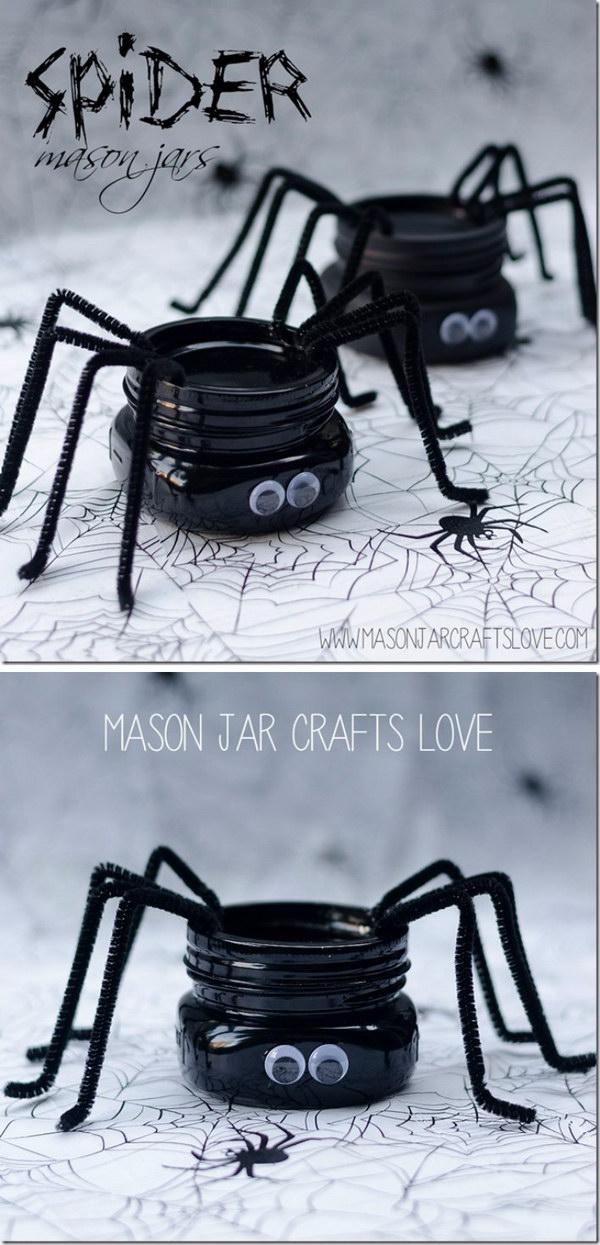DIY Spider Mason Jars.