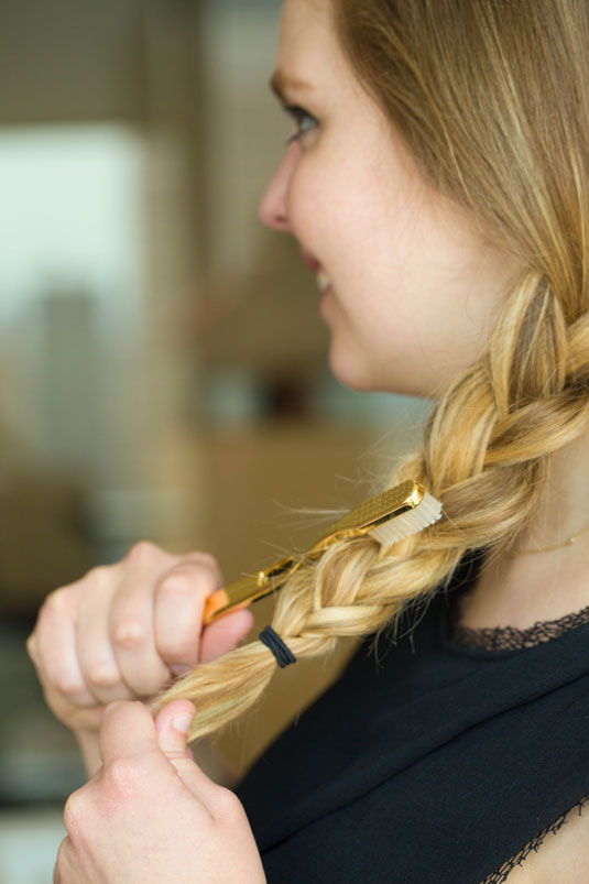 Use a Toothbrush to Get a Textured Braid .